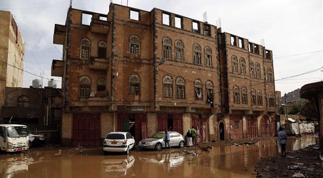 Yemen'de sel nedeniyle 5'i çocuk 7 kişi hayatını kaybetti