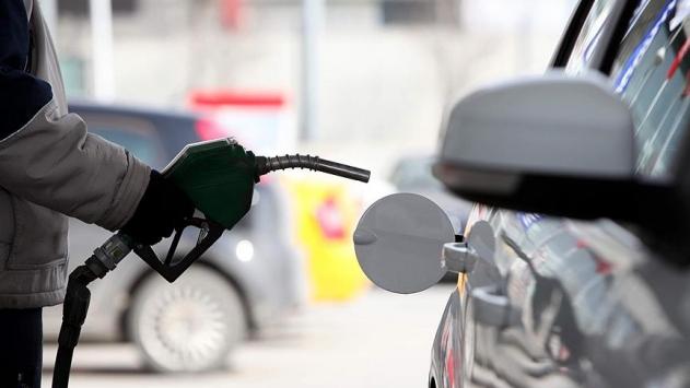 benzinin litre fiyatında 5 kuruş Artış yapıldı
