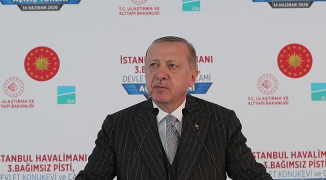 """Cumhurbaşkanı Erdoğan, """"Maske, mesafe, temizlik buna dikkat edelim"""