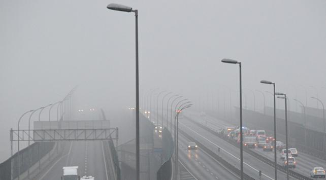 İstanbul'da etkili olan sis Etkisi gösterdi