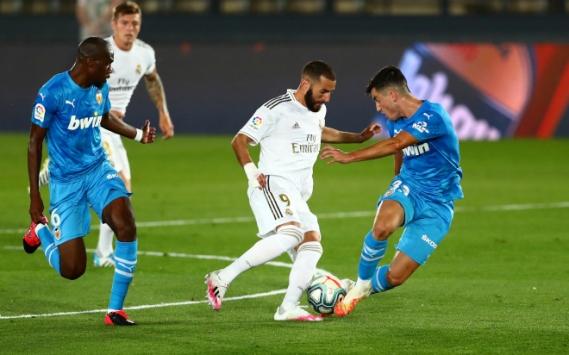 Real Madrid, oynadığı maçta Valencia'yı 3-0 yendi