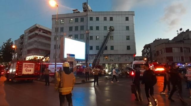 İstanbul Esenler'de özel bir hastanede yangın