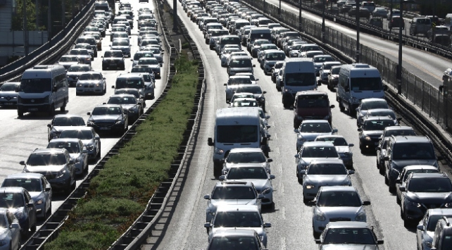 İstanbul'da bazı yollar trafiğe kapatıldı