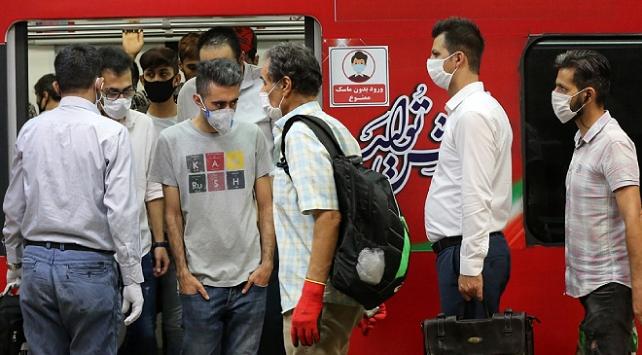 İran'da Ölenlerin sayısı 216 artışla 15 bin 700'e ulaştı