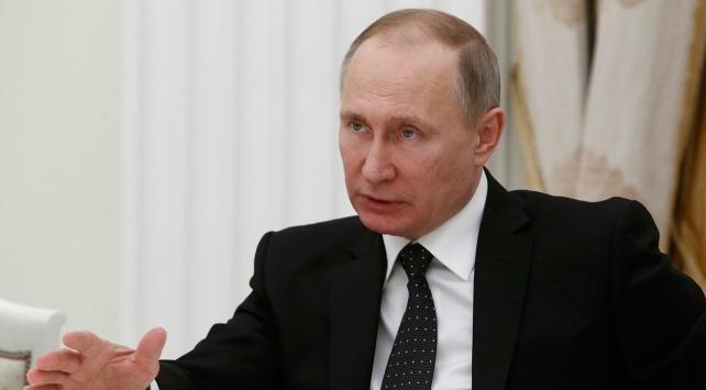 Rusya'da anayasa değişikliği referandumunun sonucu tartışma yarattı