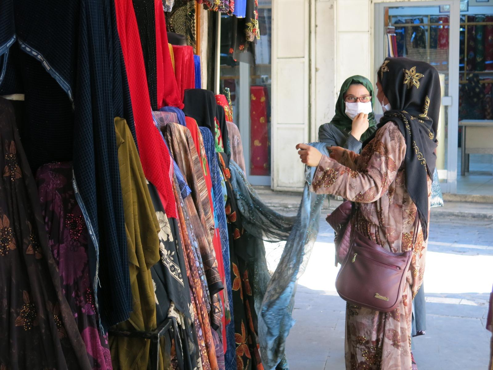 Yöresel kıyafetler yoğun ilgi görüyor