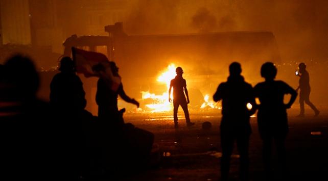 Beyrut'ta göstericiler ile güvenlik güçleri arasında çatışma: 1 ölü, 238 yaralı