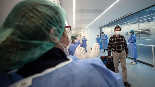 Türkiye'de iyileşenlerin sayısı 236 bin 370'e yükseldi