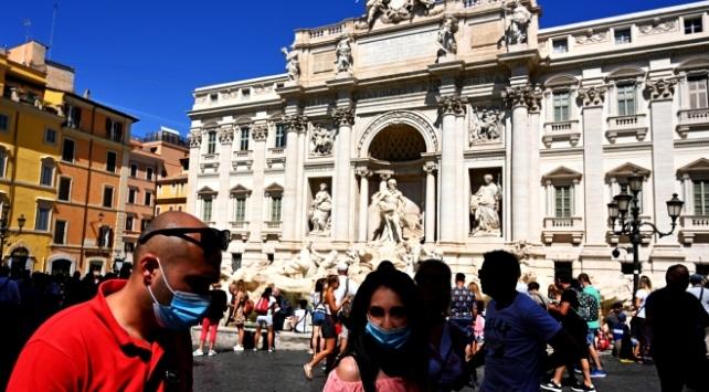 İtalya'da son 24 saatte 1462 yeni vaka tespit edildi