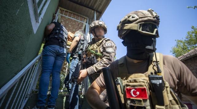 Antalya'da geniş kapsamlı uyuşturucu operasyonu: 383 gözaltı