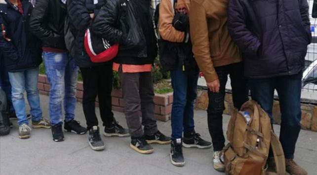 Malatya'da 58 düzensiz göçmen yakalandı