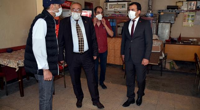 Sarıkamış'ta çay ocakları ve kahvehaneler kapatıldı