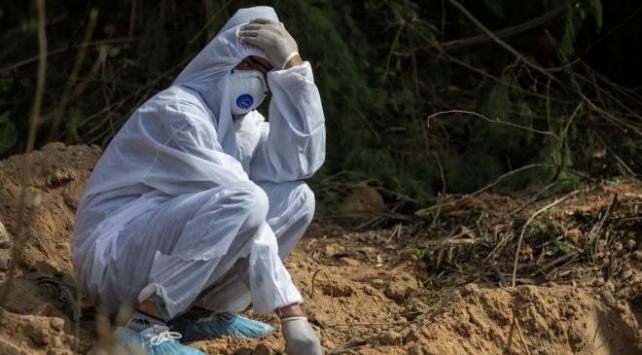 COVID-19'dan son 24 saatte Hindistan'da 730 kişi öldü