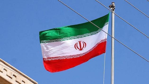 İran'da bir eyalette daha COVID-19 kısıtlamaları geri getiriliyor