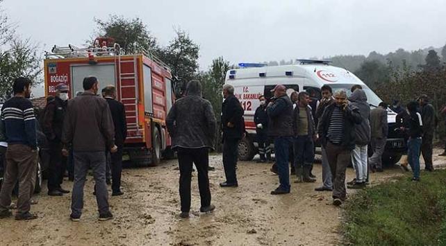 Düzce'de devrilen traktörün sürücüsü öldü