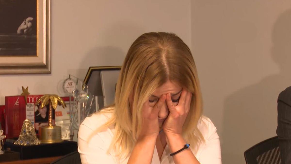 Songül Karlı gözyaşlarını tutamadı!