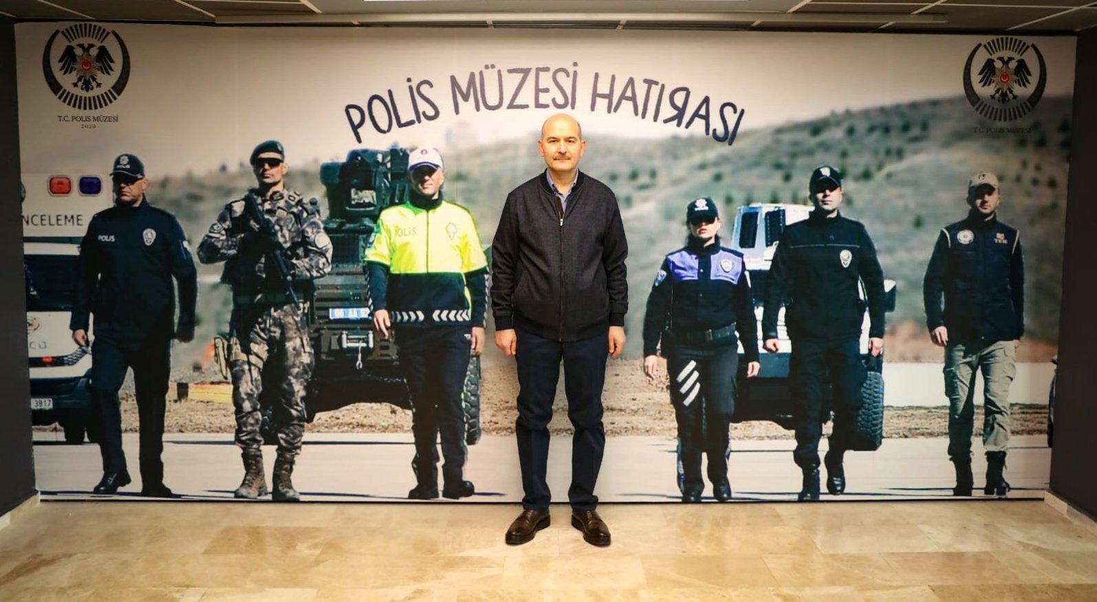 Bakan Soylu'dan Polis Müzesi'ni ziyaret