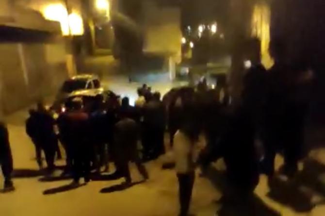 Urfa'da Mahallelinin Eli Sopalı Uyuşturucu Nöbeti