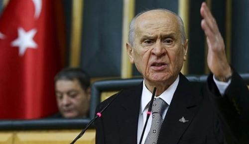 Montrö bildirisine imza atan eski vekil Ertuğrul Kumcuoğlu kesin ihraç talebiyle disipline sevk edildi
