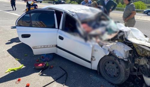 Aynı aileden 4 kişi kazada hayatını kaybetti