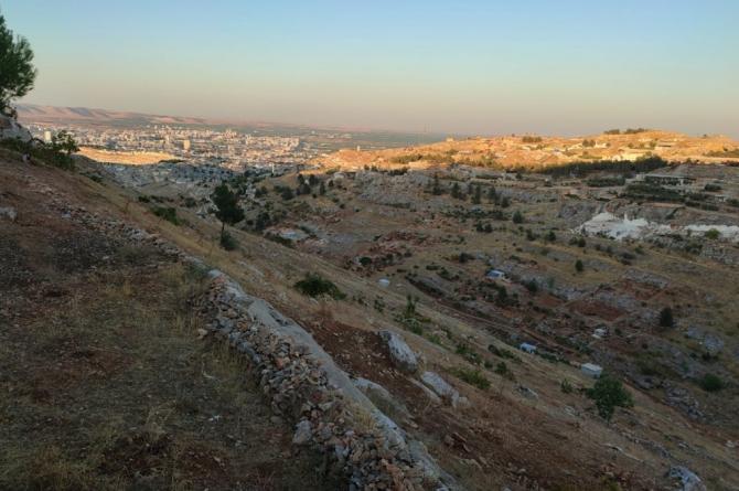 Urfa'da Dere Yatağına Yapılan Korsan Evler Korkutuyor